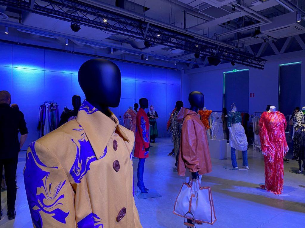 https://www.teko.se/aktuellt/nyheter/teko-och-swedish-fashion-council-delade-ut-stipendier-till-modestudenter/